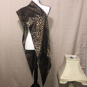 Leopard print Dennis Basso scarf